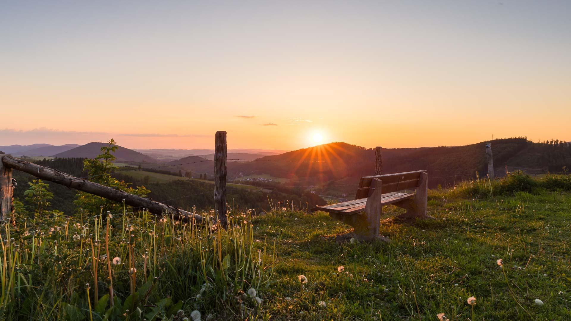 Sonnenuntergang im Lennetal
