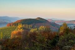Herbstliches Lennetal kurz nach Sonnenaufgang