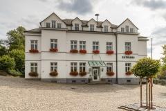 Rathaus Schmallenberg - Waldskulpturenweg 2