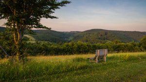 Waldsofa am Herhagen in Nordenau mit Blick auf Altastenberg